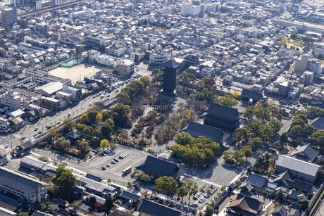 空撮 東寺の写真素材 [FYI04747898]