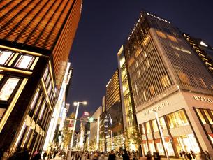 東京都 夕暮れの銀座の写真素材 [FYI04748074]