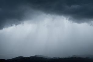 ゲリラ豪雨の写真素材 [FYI04748145]