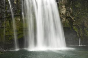 滝の写真素材 [FYI04749996]