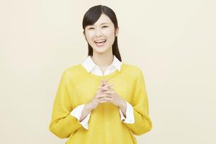 日本人女性の写真素材 [FYI04750203]