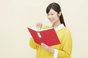 日本人女性の写真素材 [FYI04750209]