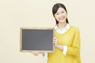 日本人女性の写真素材 [FYI04750337]