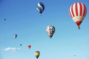 熱気球の写真素材 [FYI04751011]