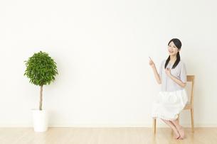 日本人女性の写真素材 [FYI04753152]