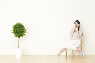 日本人女性の写真素材 [FYI04753331]