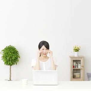 日本人女性の写真素材 [FYI04753683]