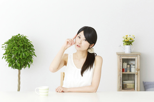 日本人女性の写真素材 [FYI04754051]