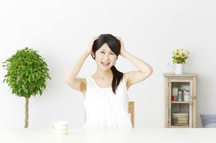 日本人女性の写真素材 [FYI04754072]