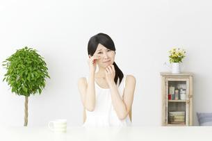 日本人女性の写真素材 [FYI04754076]