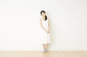 日本人女性の写真素材 [FYI04754545]