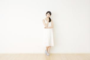 日本人女性の写真素材 [FYI04754555]
