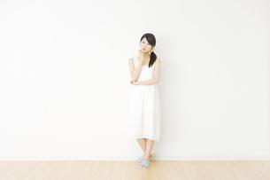 日本人女性の写真素材 [FYI04754557]