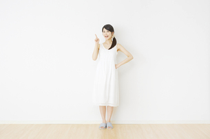 日本人女性の写真素材 [FYI04754587]