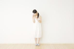 日本人女性の写真素材 [FYI04754617]