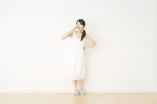 日本人女性の写真素材 [FYI04754652]