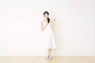 日本人女性の写真素材 [FYI04754674]