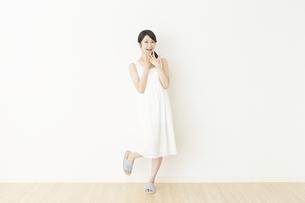 日本人女性の写真素材 [FYI04754712]