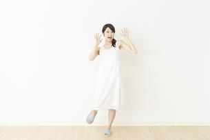 日本人女性の写真素材 [FYI04754730]