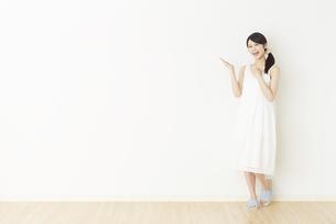 日本人女性の写真素材 [FYI04754740]