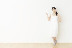 日本人女性の写真素材 [FYI04754742]