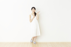 日本人女性の写真素材 [FYI04754746]