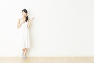 日本人女性の写真素材 [FYI04754751]