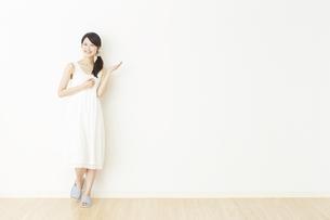 日本人女性の写真素材 [FYI04754753]
