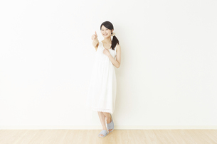 日本人女性の写真素材 [FYI04754765]
