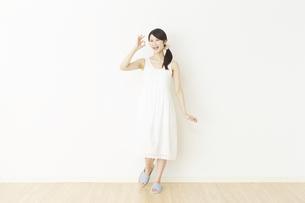 日本人女性の写真素材 [FYI04754770]