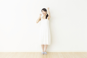 日本人女性の写真素材 [FYI04754776]