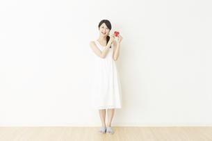 日本人女性の写真素材 [FYI04754791]