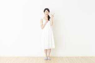 日本人女性の写真素材 [FYI04754801]