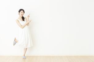 日本人女性の写真素材 [FYI04754822]