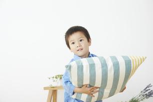 男の子の写真素材 [FYI04755615]
