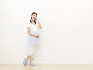 妊婦の写真素材 [FYI04756345]