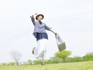 日本人女性の写真素材 [FYI04757590]