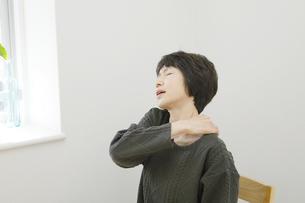 日本人女性の写真素材 [FYI04757755]