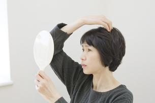 日本人女性の写真素材 [FYI04757770]