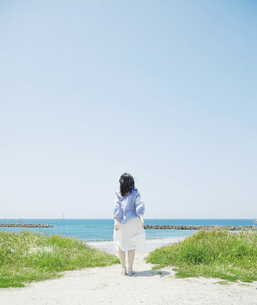 日本人女性の写真素材 [FYI04757951]