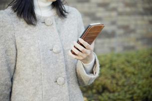 日本人女性の写真素材 [FYI04757972]