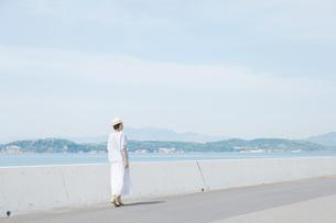 日本人女性の写真素材 [FYI04757990]