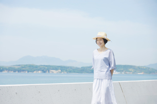 日本人女性の写真素材 [FYI04758021]