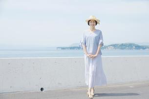 日本人女性の写真素材 [FYI04758044]