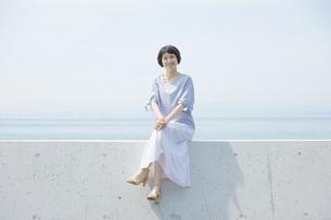 日本人女性の写真素材 [FYI04758071]