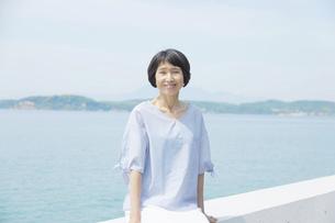 日本人女性の写真素材 [FYI04758095]