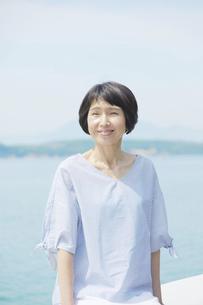日本人女性の写真素材 [FYI04758098]