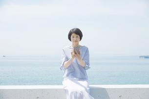 日本人女性の写真素材 [FYI04758119]