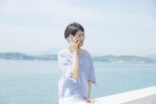 日本人女性の写真素材 [FYI04758120]