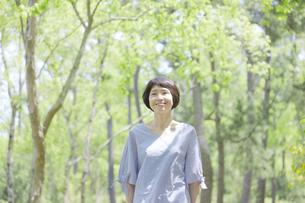 日本人女性の写真素材 [FYI04758148]
